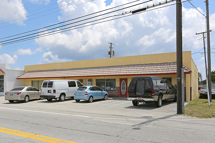2400-2406 N Dixie Hwy, Wilton Manors, FL 33305 ONE Commercial Real Estate Main Image